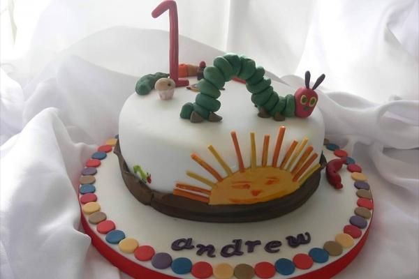 cake-celebrate7F4911F7-8647-58D2-0030-1653E1359B1B.jpg